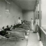 Luennon aiheena sota tuberkuloosia vastaan