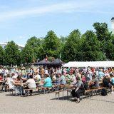 Syödään yhdessä ja Skogsterin talojuhla Hämeenlinnan keskustassa