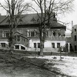 Opastusta keskustan purettujen talojen historiaan