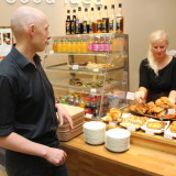 Cafe Hoffin uudet vetäjät tuovat pullantuoksun mukanaan