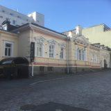Tusina ravintolakuvaa kaupungista: Hämeenlinna kylpee markkinatiistaina auringossa