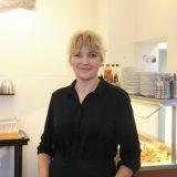 Café Hoffi saa Sirpa Soinisesta taidehenkisen yrittäjän