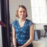 Kirjailija Anni Kytömäki Hämeenlinnan pääkirjastolla