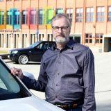 Parkkipaikoilla kolisee Suomessa päivittäin – tyypillisin vahinko Hämeenlinnan seudulla sattuu parkkipaikalla peruuttaessa