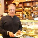 CAFE LAURELL: Sibeliuksen juhlavuodesta myyntipiikki