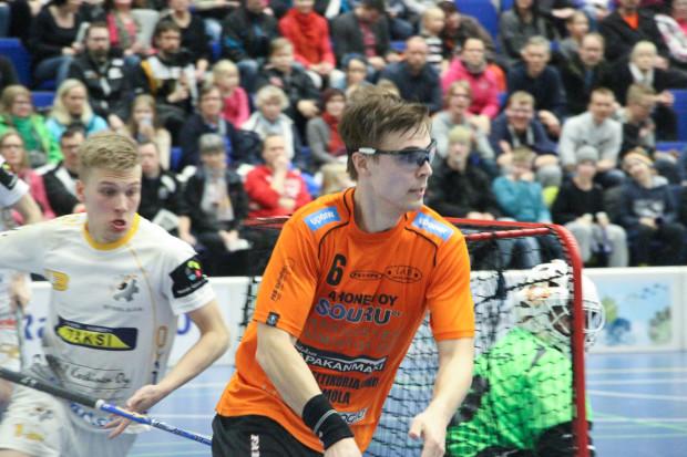 Heikki Hätönen ja LasB olivat tiistaina askelen edellä Julius Aaltosta ja Steelersiä.