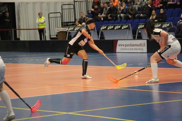 Senni Hietanen jäi finaalisarjan päättäneessä ottelussa itselleen harvinaisesti pisteittä, mutta ratkaisi lopulta ottelun rankkarillaan.