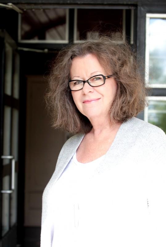 Marja Myllyniemi sai vuoden 2016 Hämeen Rahaston taidepalkinnon.